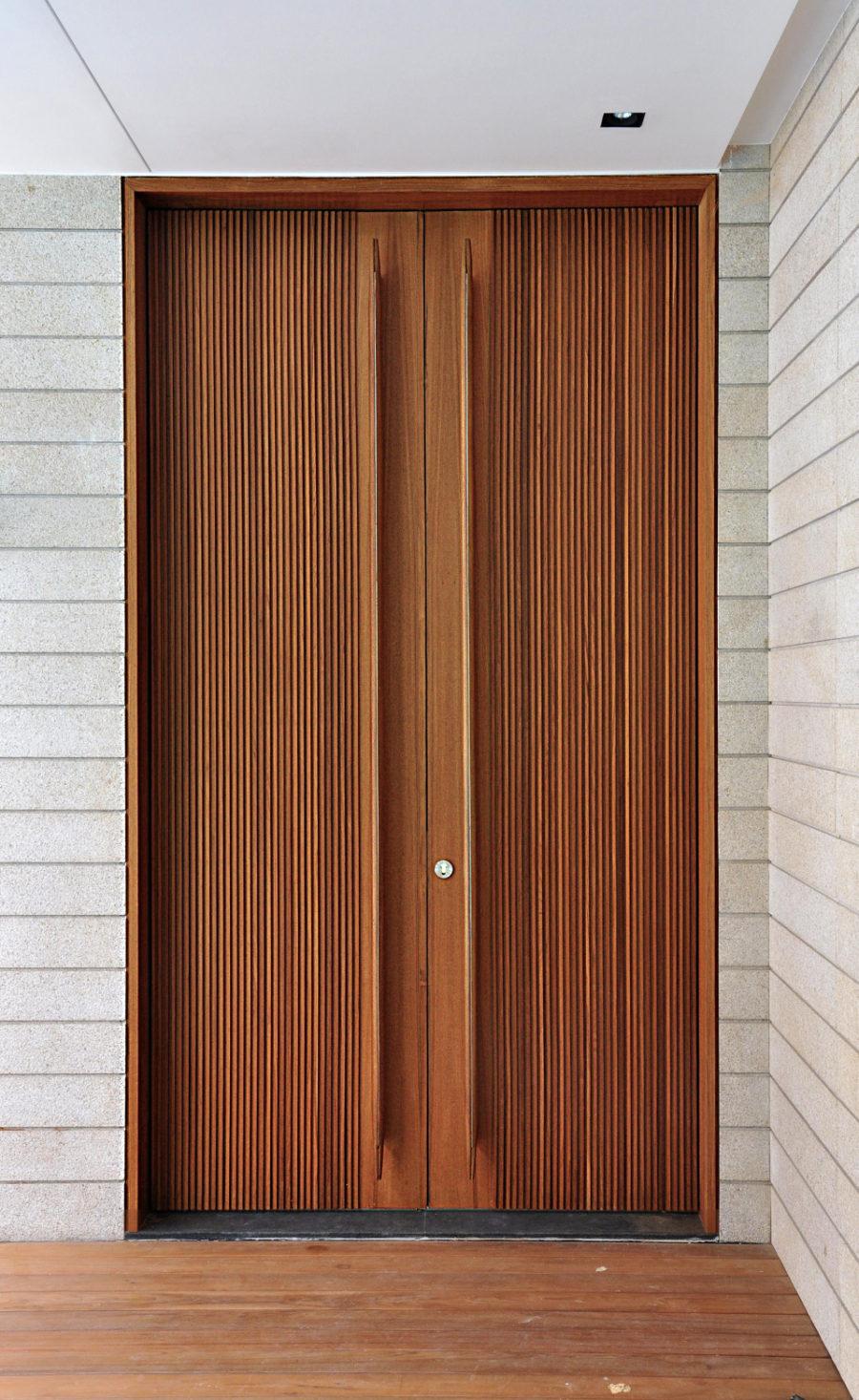 Trend Alert Oversized Front Door Handles
