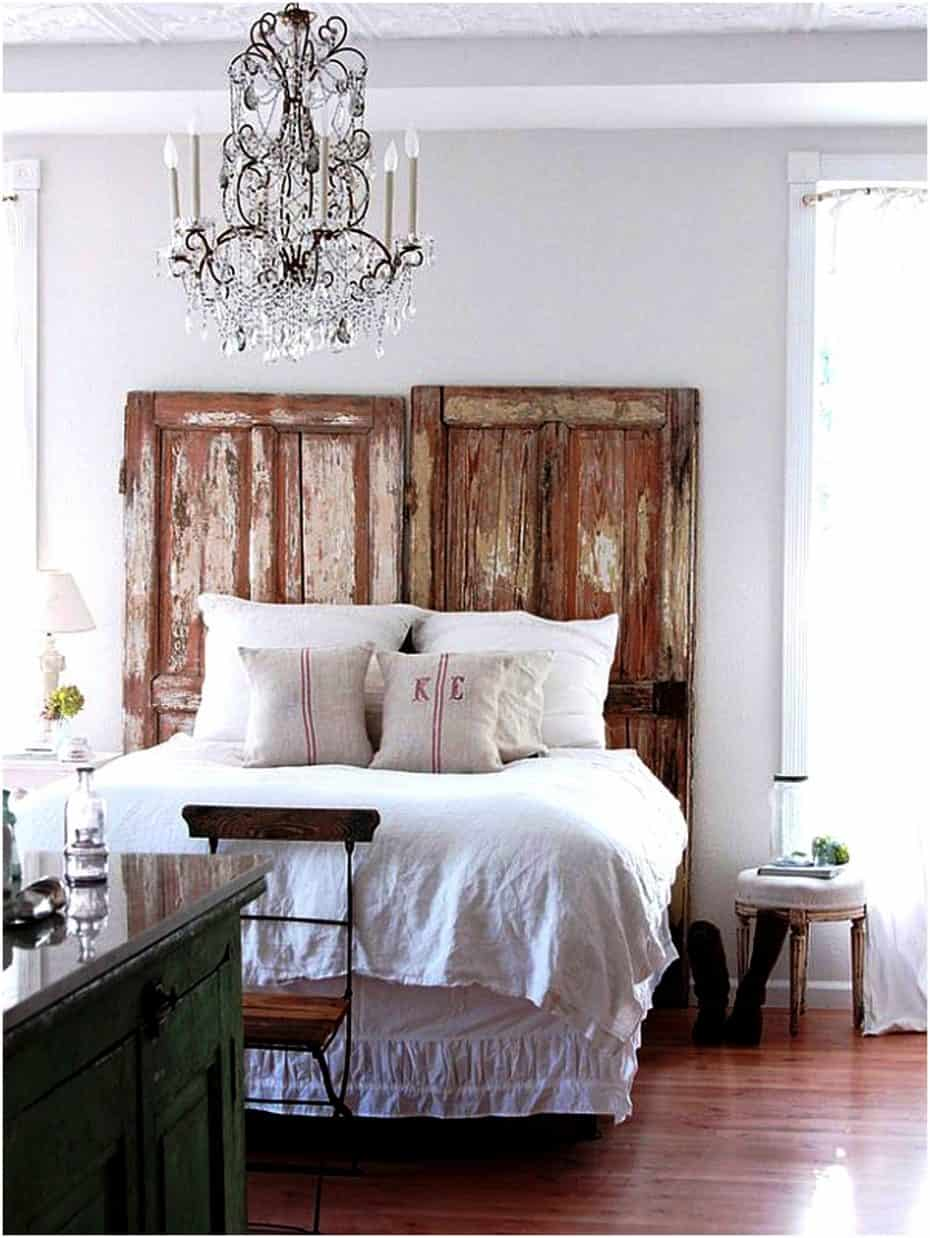 15 Bedroom Chandeliers That Bring Bouts of Romance & Style on Room Ideas For Small Rooms  id=61548