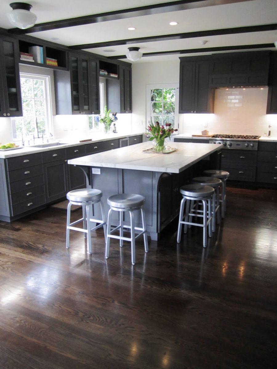Modern Grey Wood Floor Kitchen   Novocom.top