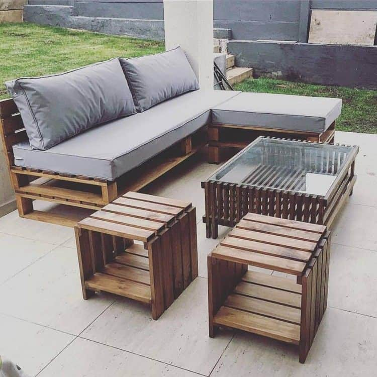 15 pieces of pallet patio furniture to