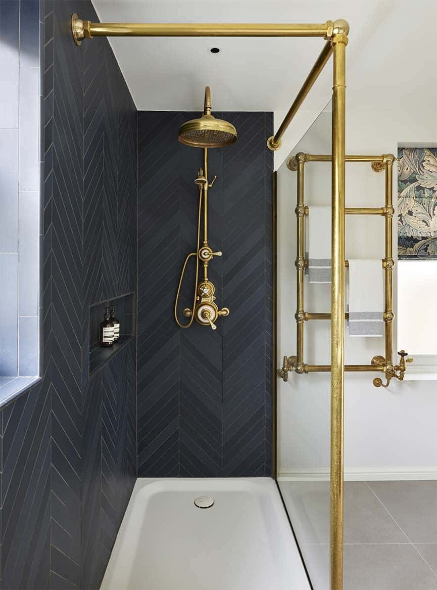 brass in bathroom Beautiful Bathroom Trends To Follow This Year