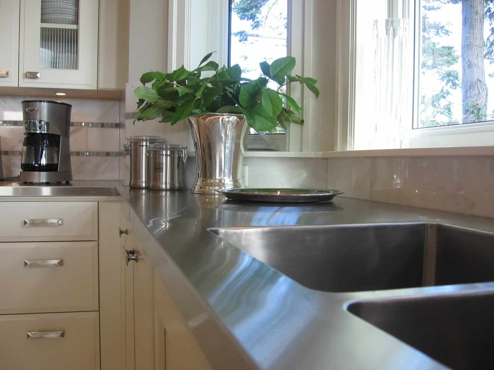 Modern Kitchen Countertops from Unusual Materials: 30 Ideas on Modern Kitchen Counter  id=75023