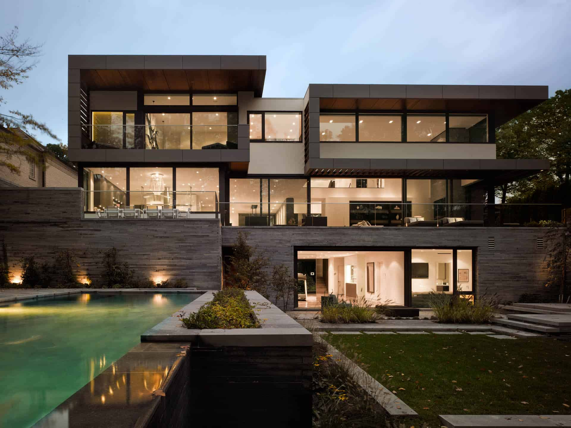 Stunning Toronto Home with an Arty Staircase and a Comfy ... on Amazing Modern Houses  id=17262