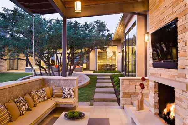 outdoor patio living Family Home with Outdoor Living Room and Pool