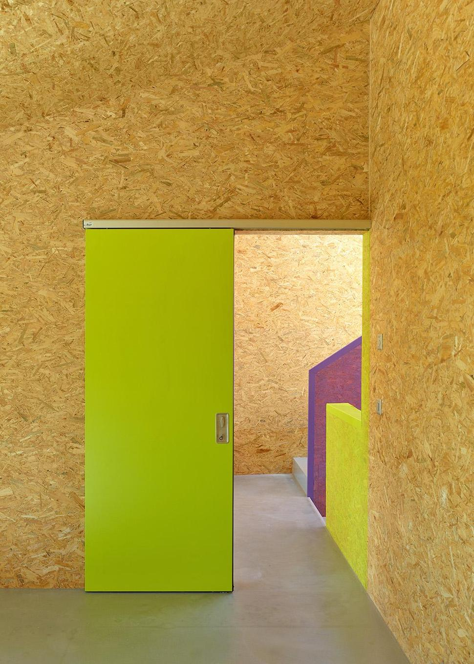 Pre Fabricated House With Painted OSB Panels
