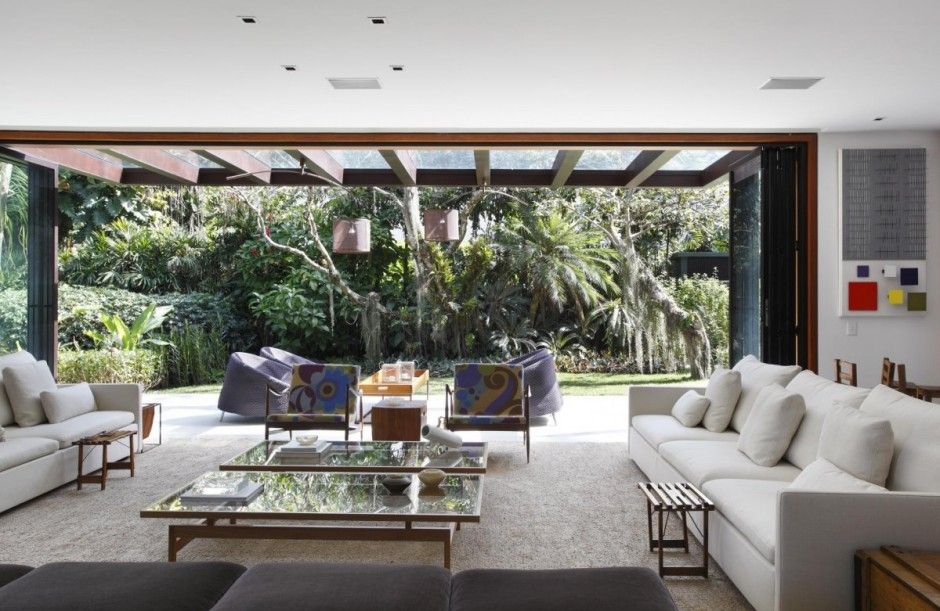 Contemporary Colonial Home in Rio decorated in neutral palette View in gallery contemporary colonial home in rio 2 thumb 630x409 9486 Contemporary  Colonial Home in Rio decorated in