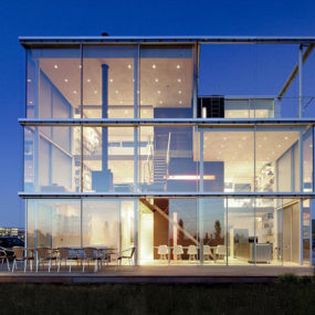 open glass house 1 285x285 - THE MOST AMAZING GLASS HOUSE PICTURES THE MOST BEAUTIFUL HOUSES MADE OF GLASS IMAGES