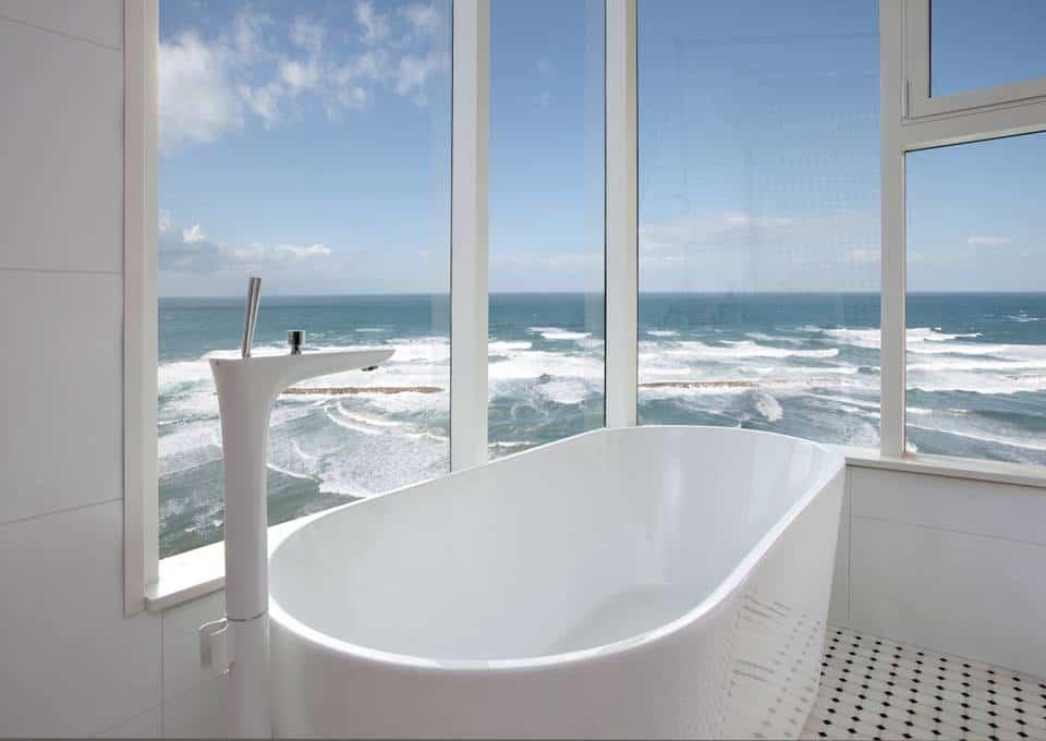 Awesome Seafront Apartment Has Stunning PuraVida Bathroom