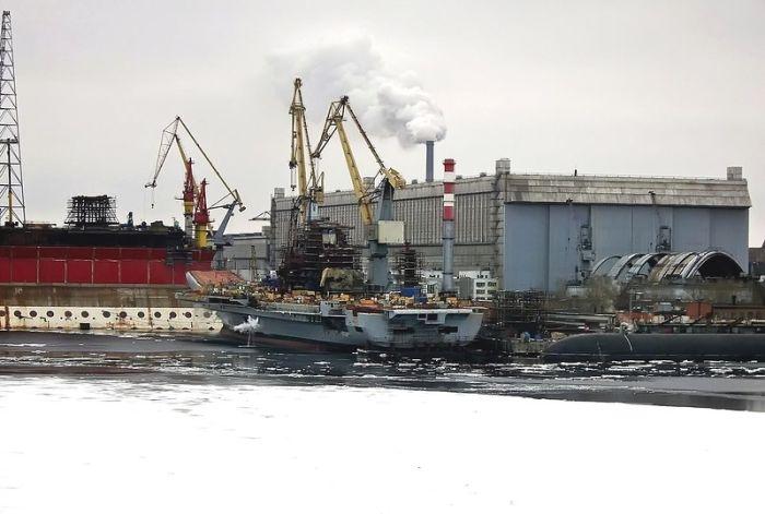 Eski uçak gemisi tamir edilerek amiral gemisi oldu(72 Fotograf)