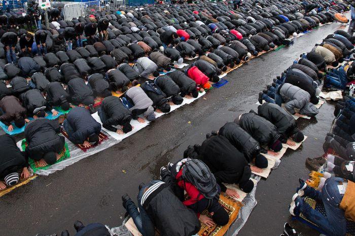 Moskova'da Kurban Bayramı namazı (43 Fotograf)