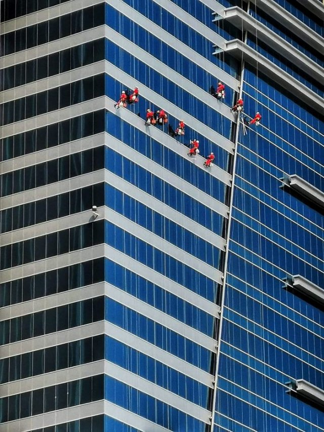 Çalışan İnsanların Fotoğrafları (12 fotograf)
