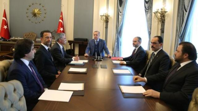 Президент Эрдоган принял во дворце исполнительного директора Формулы-1