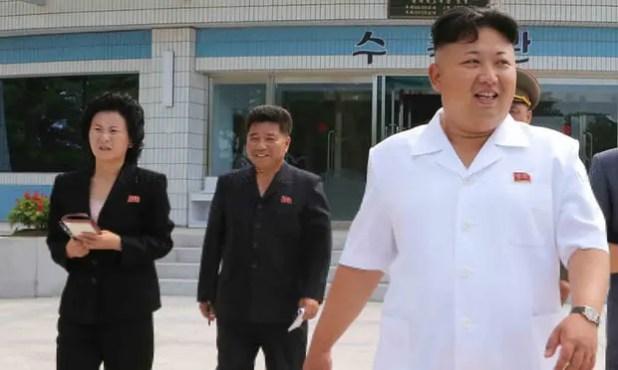 Ông Kim Jong Un đưa em gái vào Bộ Chính trị - Ảnh 1.