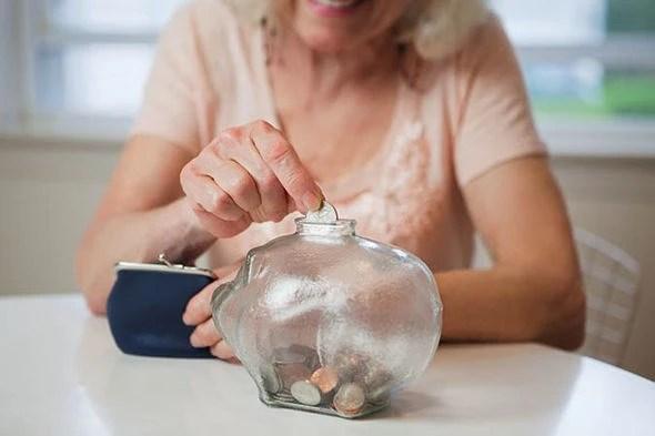 Lương hưu tại Anh thấp nhất trong số các nước phát triển - Ảnh 1.