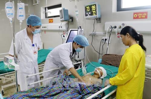 Cứu sống bệnh nhân 14 tuổi bị tổn thương não nghiêm trọng - Ảnh 1.