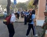 Hàng ngàn lượt chia sẻ clip học sinh cúi đầu chào bác bảo vệ