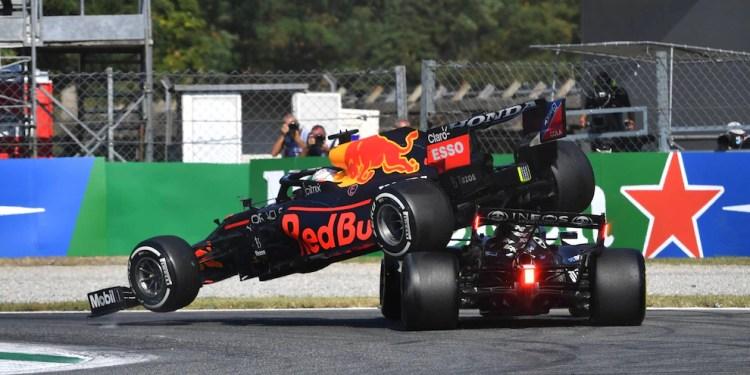 F1: Verstappen sanzionato dopo l'incidente con Hamilton, tre posizioni di  penalità nella griglia in Russia