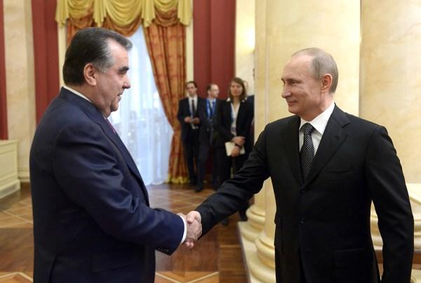 Владимир Путин принял в Сочи высокопоставленных гостей