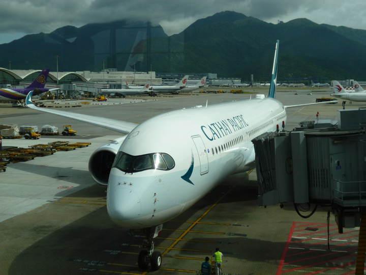 國泰港龍香港班機 多班取消 | 財經 | 聯合影音