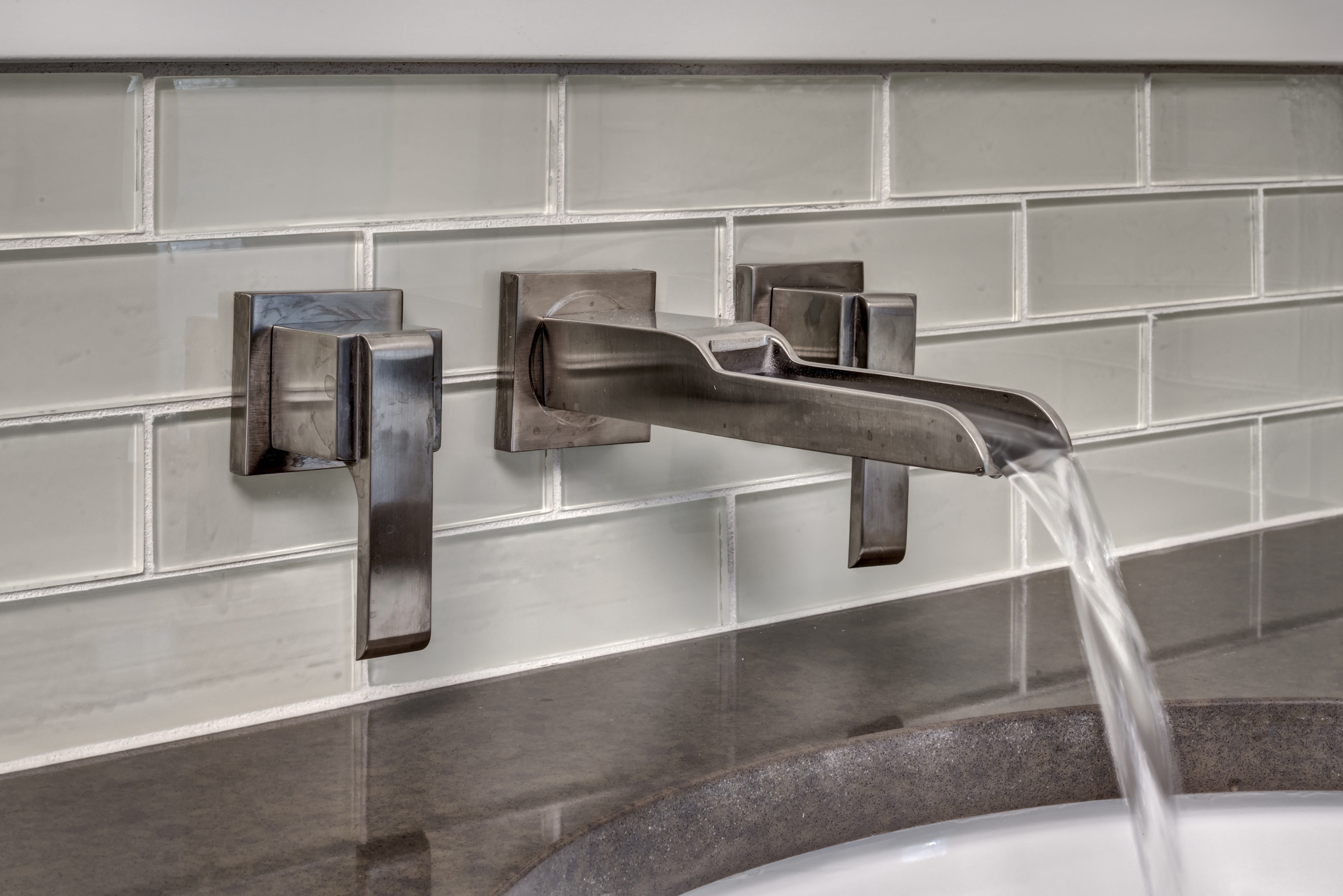 https www uniquevanities com bathroom vanity backsplash ideas html