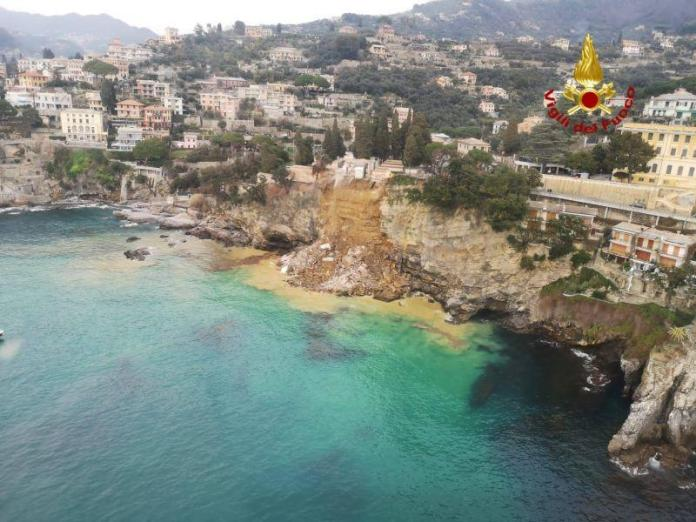 """Such a rock fall cannot be foreseen"": Helicopter picture of the crash site in Camogli."