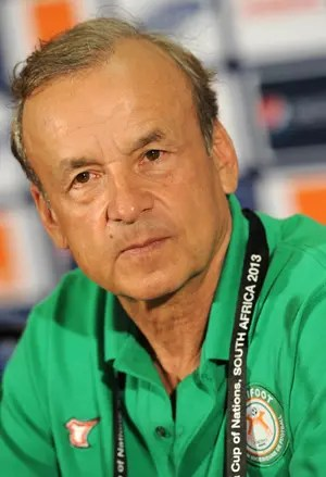 Rohr to start Akpeyi against Guinea Uzoho is now No.3