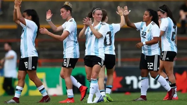 Argentine women's football turns professional, but only just