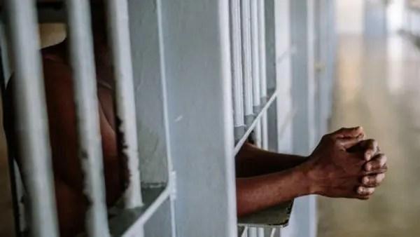 Prison, inmates, Efe