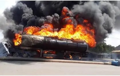 Petrol tanker explodes at Tunfure, along Gombe Bauchi express Road, Gombe State.