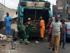 Mr Collins Farinto, the National Vice-President, Association of Nigerian Licensed Customs Agents (ANLCA), has warned against continuous dumping of refuse at the entrance of the Apapa sea port in Lagos.