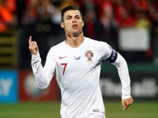 Ronaldo  Ronaldo scores four times as Portugal rout Lithuania 5-1 #Nigeria download 1 2