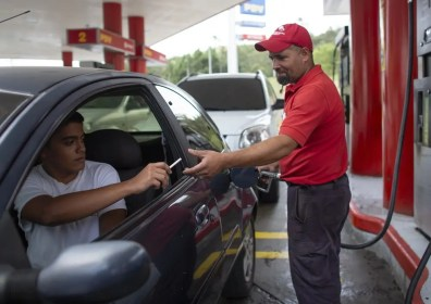 Trade By Barter: Venezuela's motorists paying for gas with cigarettes, bag of rice