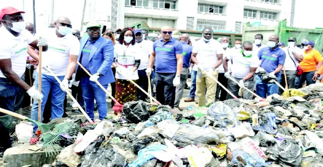 APM Terminals, LAWMA clear heaps of refuse at Apapa