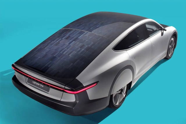 News Extra: Nigeria to assemble solar cars by 2020