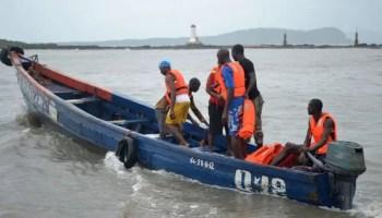 10 escape death as boat capsizes in Lagos
