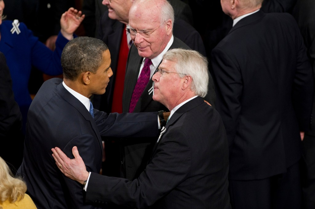WASHINGTON, DC- Jan. 25: President Barack Obama and Sen. Roger Wicker, R-Miss., after Obama delivered his State of the Union address to a joint session of the U.S. Congress. Looking on is Sen. Patrick J. Leahy, D-Vt. (Photo by Scott J. Ferrell/Congressional Quarterly)