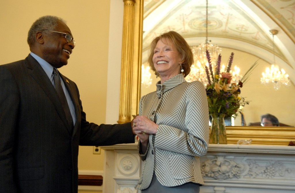 House Majority Whip Jim Clyburn, D-S.C., talks with Juvenile Diabetes Research Foundation International chairman Mary Tyler Moore after meeting with her about the disease.