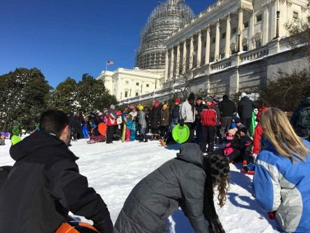 Capitol Hill was crowded on Sunday as the snow stopped and the sledders came to hang out. (Jason Dick/CQ Roll Call)