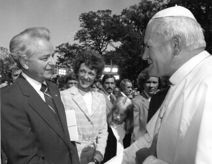 In this undated photo from the archives, Sen. Robert Byrd and Pope John Paul meet at the U.S. Capitol. (CQ Roll Call File Photo)