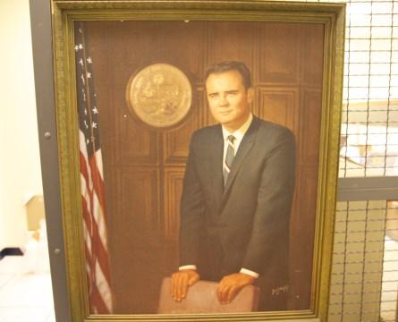 Late Congressmans Wife on Quest for Missing Cash, Memorabilia