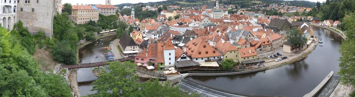 東歐四國 (五) – 藍天白雲紅色屋頂綠色的水