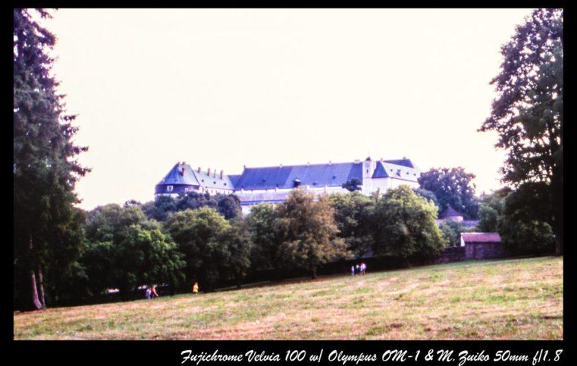 遠眺紅石城堡