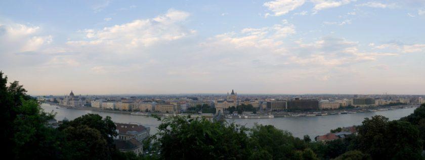 布達皇宮看布達佩斯