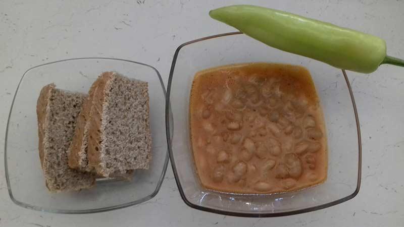 Macedonian white kidney bean soup.