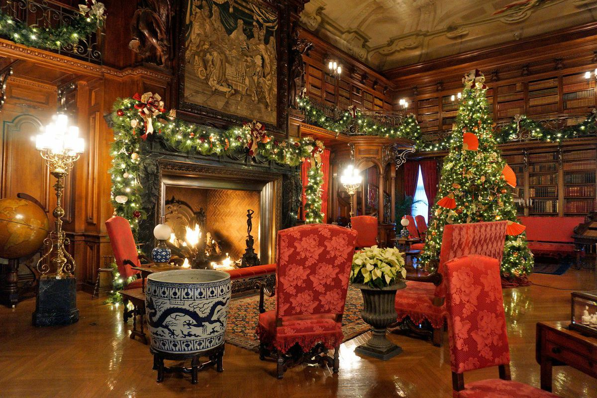 Christmas Decorations At Biltmore, America's Largest House