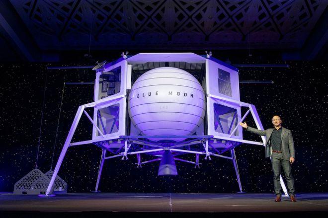 blue_origin_blue_moon_lander_reveal_web.0 Jeff Bezos' Blue Origin teams up with spacefaring heavyweights for human lunar lander design | The Verge