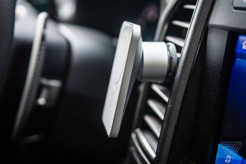 Il Belkin Car Vent Mount Pro con Magsafe in una Ford F-150
