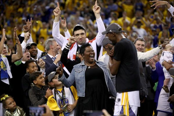 Wanda and Kevin Durant star in NBA Mother's Day Budweiser ...