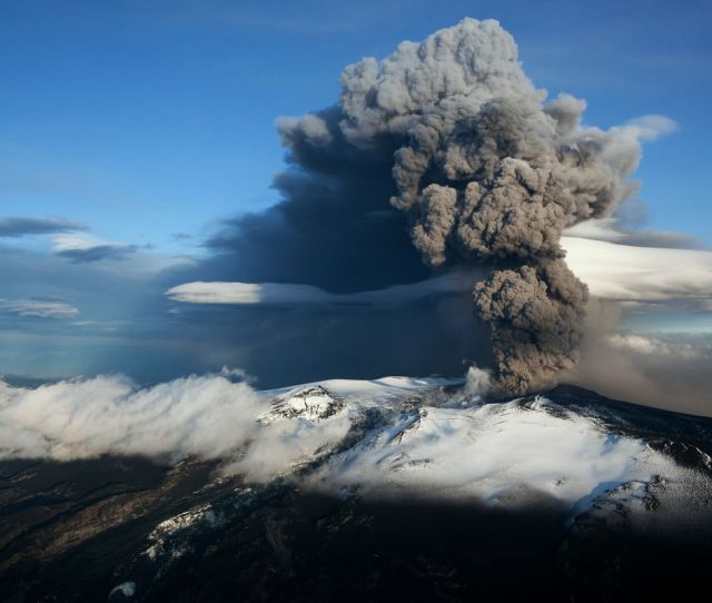The 2010 Eruption Of From Icelands Eyjafjallajokull Crater Disrupted Air Travel Across Europe Etienne De Malglaive Getty Images