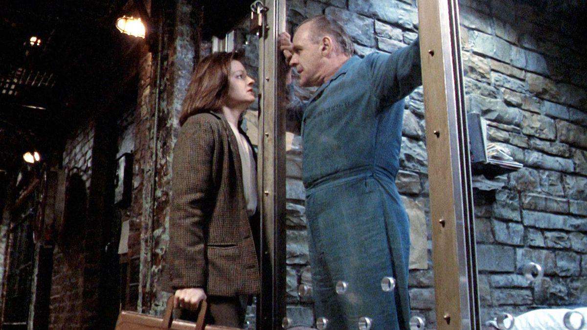 Jodie Foster y Anthony Hopkins en El silencio de los corderos.